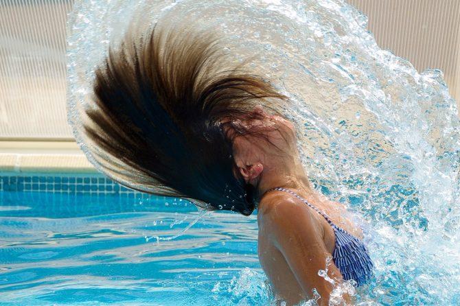 Kakav uticaj ima hlor iz bazena na vašu kosu