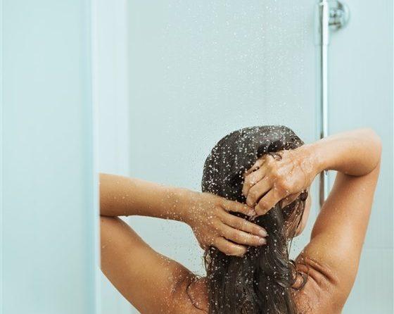 Da li će se smanjiti mašćenje kose ako se ne pere često?