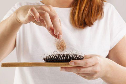 POSTPOROĐAJNA ALOPECIJA - 101 Hair Clinic - Problemi Opadanja Kose